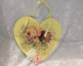 Sentiments Heart Lemon with Pink and white paper roses