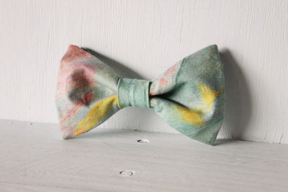 Dog bow tie >> Canvas art bow with elastic >> Pet gift