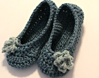 crochet women's slippers, womens rose slippers in blue
