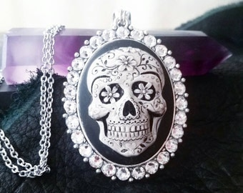 Sugar skull necklace - sugar skull cameo - skull cameo - sugar skull - dia de los muertos - sugar skull jewelry - gifts for her - sugarskull