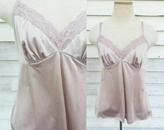 Vintage Vanity Fair Dusty Rose Camisole Slip Lace Trim Tank Top Small 36 Pink Pastel Purple Nylon Lingerie
