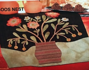 Spring Bouquet Wool Applique Pattern by Goos Nest