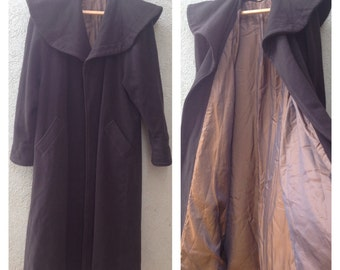 Vintage  Dramatic  Brown wool Women's  Cape Coat Top by MASKIT Made in Israel