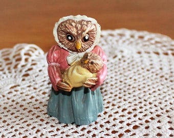 Vintage J. C. Minature Collectible Dated 1991 Cute Resin Owl Mama and Baby