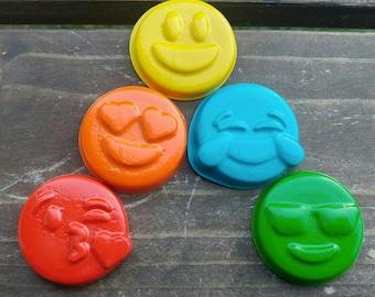Emoji Crayons Set of 20 - Emoticon Crayons - Party Favors