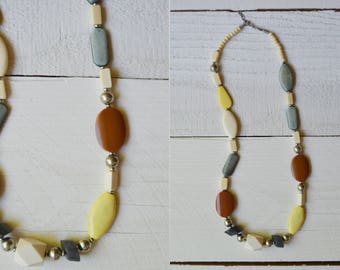 Mixer Necklace / 1940s chunky stone necklace / vintage abstract necklace