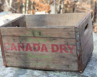 Vintage World Famous Canada Dry Beverages Wooden Box w/ metal band riveted ends