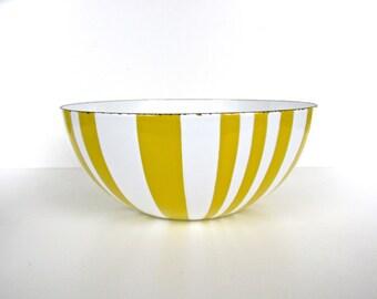 "Vintage Cathrineholm Striped Enamel Bowl, 8"" Danish Modern Enamelware Bowl, Yellow And White Enamel Bowl"