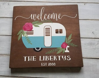 Wood Sign, Camper Sign, Personalized Camping Sign, Welcome Sign, Last Name Sign, Retro Camper Sign, Gifts For Her, Camper Decor, Retro Sign