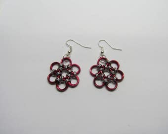 Chainmail Daisy Earrings - Red