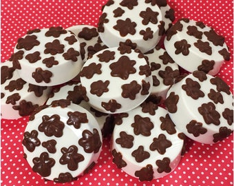 12 Cow Print & Sprinkle Cake Pops for Cowboy or Cowgirl birthday party favors, country wedding, Wild West, Rodeo, Farm, Barnyard, Toy Story