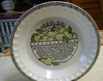 """royal china jeannette 10 1/2"""" crimped recipe apple pie dish"""