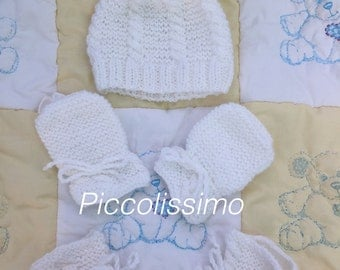 "16"" preemie (4lb) hat, mitts and booties set"