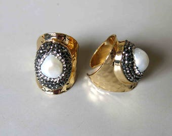 Pave Rhinestone Rings With Pearl Inlay- B1636