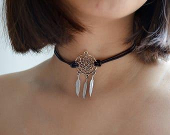 Dream Catcher Choker Silver Necklace Feather Charm, boho jewelry, minimalistic jewelry, 90s necklace, feather choker, leather choker
