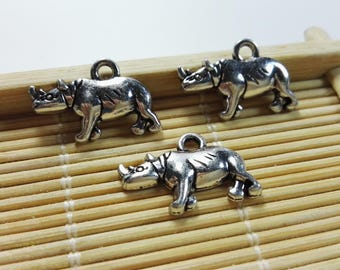 20 pcs  Rhinoceros  Charms   ,   Rhinoceros   Pendants  , Antique Silver rhino charm, animal Charms