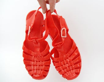 Vintage Jelly Sandals // 80's French Red Jellies