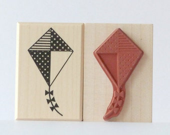 Stamping Dragon kites