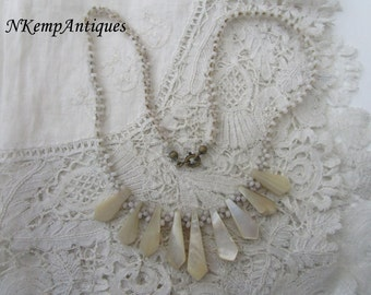 1930's necklace Mother of pearl