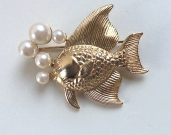 Vintage Fish Brooch with Faux Pearls in Gold Tone