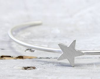 Bangle of star made of 925 Silver, bottom open cuff, silver jewelry with star, Christmas, Star