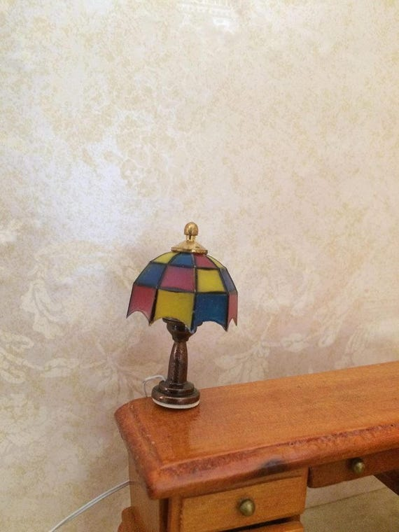 Vintage dollhouse working brass tiffany table lamp 12 for 12 volt table lamp
