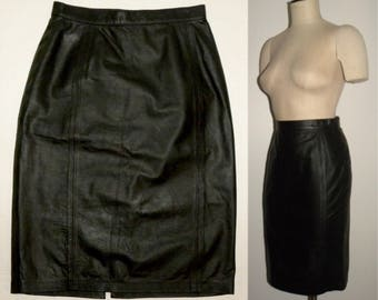 "1980s 80s Black Leather Pencil skirt / wiggle skirt / tight fit / Vintage size 9/10 / high waist 26"" waist"