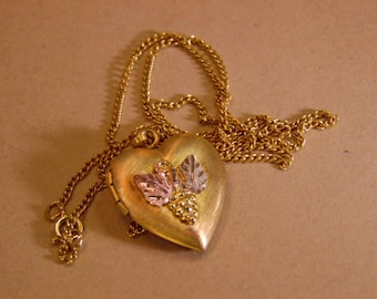 14KT Gold Filled  Heart Locket Necklace with Leaves in a Rose, Gold Color