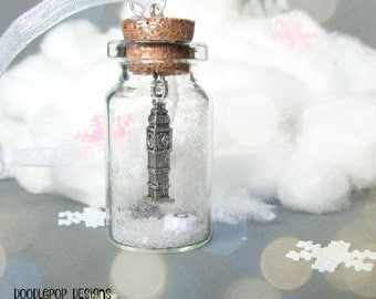 Personalized Christmas ornament - London snow globe - Glass Christmas ornament - Big Ben - White Christmas ornament - Uk