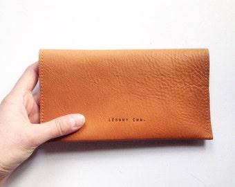 chekebook wallet / chequebook / leather chequebook /  Léonny Cha