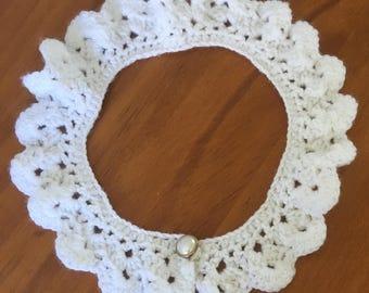 Handmade crochet collar (white)