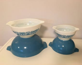Vintage Pyrex Blue Horizon Cinderella Bowls  Set of 4