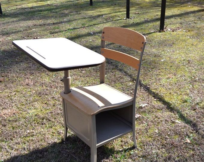 Vintage School Desk Child Size Irwin Beige Putty Retro School Desk with Chair 2nd or 3rd Grade Panchosporch
