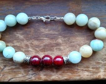 Amonzonite and quartzite beaded bracelet