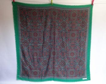"Large Gina Ruccini Paisley Vintage Scarf Shawl  Green Blue Red 115cm x 115cm / 45.2"" x45.2"""