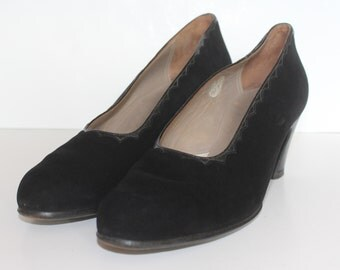1940's Black Suede and Leather Madame Court Shoes - Vintage Shoes -  US 7.5 UK Size 5.5