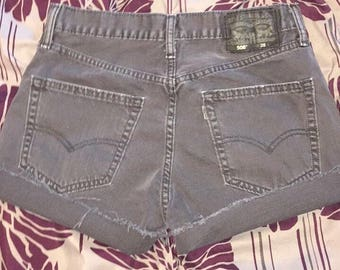 Levi's High Waisted Shorts / Levi cut off shorts / Size S / 28 / gray wash / gray Denim Shorts / highwaisted / sale