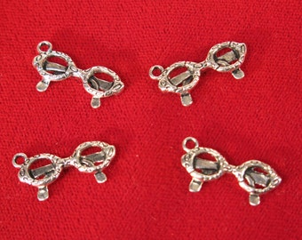 """10pc """"glasses"""" charms in silver style (BC1167)"""