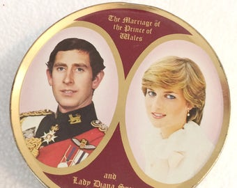 SK Travel Sweets Tin- The Royal Wedding of Prince Charles and Lady Diana 1981