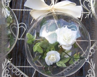White roses Christmas baubles, Christmas ornament,Wedding decorations,Firs Christmas gift,Gift for roses lover
