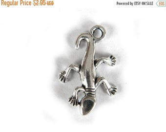 HALF PRICE 10 Silver Gecko Charms - Lizard Charms