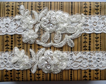 Ivory Wedding Garter Set, Bridal Garter Set, Toss Garter, Keepsake Garter, Pearl Beaded Wedding Lace Garter Set