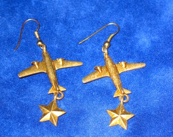 Vintage Military Airplane and Star Gold Tone Tone Drop Earrings