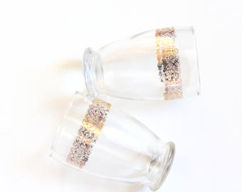 vtg gold embellished bistro glasses // pair of gold rimmed glasses // vintage barware