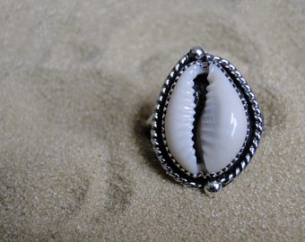 Cowrie Shell Ring, Sterling Silver, Size 6