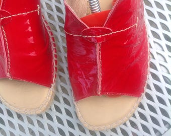 Red wedges size 40,retro wedges,kitsch wedges,big thick red wedges, Viguera wedges, red,made is Spain