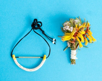 Dorothy 'big curve' porcelain necklace with yellow highlights