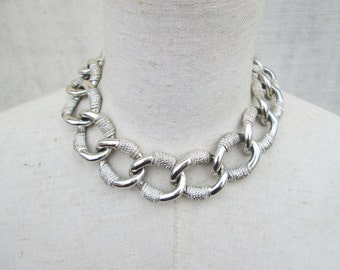 Vintage Chunky Texural  Silver Tone Oval Chain Link Necklace Choker