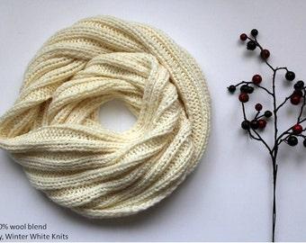 Knit scarf, winter scarf, cream white knit scarf, winter cozy infinity scarf, handknit scarf in a soft wool blend, cozy softness