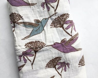 Organic muslin baby blanket, Organic blanket, Hummingbird muslin blanket, Baby swaddle blanket, Organic baby blanket, stroller blanket,